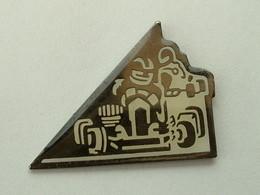 Pin's  KARTING - Badges