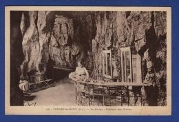 76 FORGES LES EAUX Le Casino, Intérieur Des Grottes - Animée - Forges Les Eaux