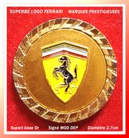 SUPER PIN'S FERRARI : LOGO Peu COURANT, Support Or Cloisonné Et Relièf, Signé MOD DEP, Diamètre 2,7cm - Mercedes