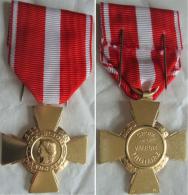 Médaille CROIX De La VALEUR MILITAIRE NEUVE - France