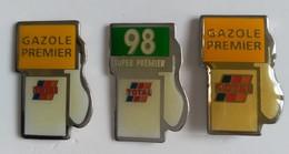 Pin's - Carburant - TOTAL - Lot De 3 Pin's - Pompes à D'essence - - Fuels