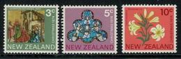 Nouvelle Zélande // New Zealand // 1974 // Noël, Tableau,vitrait,fleurs Série ** Y&T 618-620 - Nouvelle-Zélande