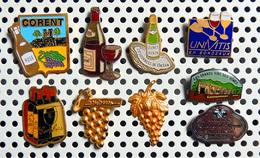 Lot De 9 Pin's Sur Le VIN Dont 2 Grappes De Raisins Dorées Et 2 émaillés - Boissons