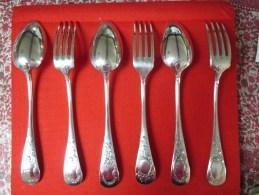 3 Cuillères Et 3 Fourchettes Anciennes Poinçon Argent 60 G Beaux Décors Couverts Argenterie Cuiller - Argenterie