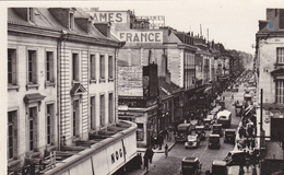 37 TOURS. CPSM. LA RUE NATIONALE AVANT 1940. ANIMATION ET CIRCULATION - Tours