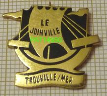 LE JOINVILLE  BAR De TROUVILLE Sur MER  Bateau Voilier Drakkar Dpt 14 CALVADOS - Villes