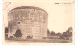 Tournai (Hainaut)-La Grosse Tour Ou Tour Henri VIII Ou Tour Des Anglais-entourée De Canons (canon) - Tournai