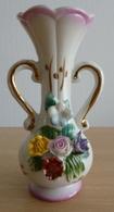 """Mini Vase """"rocaille"""" Porcelaine Blanche Et Rose Orné De Fleurs - Other"""