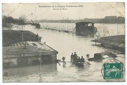 CPA ANIMEE PARIS, ANIMATION, PASSAGE EN BARQUE A L'OCTROI DE BERCY, INONDATION, INONDATIONS DE 1910, PARIS 75 - Inondations De 1910