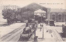 Toulon Intérieur De La Gare Non écrite Tbe - Stations With Trains