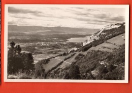GBQ-14  Le Salève, Vue Sur Genève Et La Route De La Croisette. Circulé Vers La Suisse - Other Municipalities