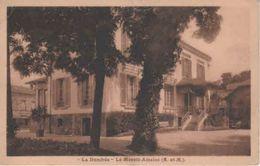 "77- 500756 +   """"   LE MESNIL - AMELOT        """"   La  Dumbéa - France"