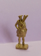 KINDER METAL ECOSSAIS - Metal Figurines