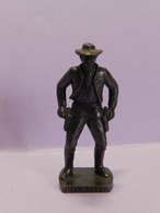 KINDER METAL SAM BASS - Metal Figurines