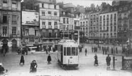 "V12637 Cpa 44 Nantes - La Place Du Commerce "" Tramway"" - Nantes"