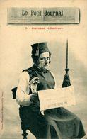 Journaux Et Lecteurs  Le Petit Journal - Frans
