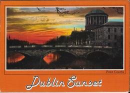 IRLANDA - DUBLINO AL TRAMONTO -VIAGGIATA  FRANCOBOLLO ASPORTATO - Dublin