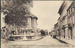 Vaucluse : Orange, Rond Point Des Avenues Henri Fabre Et Frédéric Mistral - Orange