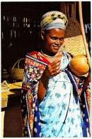 - M59209CPM - SWAZILAND - Girl Playing MAKHWEYANA - Très Bon état - AFRIQUE - Swaziland