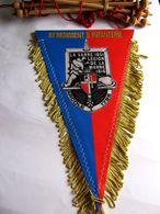ANCIEN FANION BI FACE INFANTERIE 51° RI REGIMENT DE LA SARRE (COMPLET AVEC BARRE D'ATTACHE) ETAT EXCELLENT - Flags
