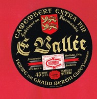 Etiquette Fromage Camembert VALLEE   CLECY Calvados - Fromage