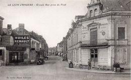 """Le Lion D'Angers Animée Hôtel Des Voyageurs Banque Voiture Pub """"Huiles Renault"""" - Altri Comuni"""
