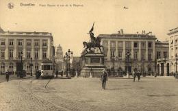 BELGIQUE - BRUXELLES - Place Royale Et Rue De La Régence. - Places, Squares