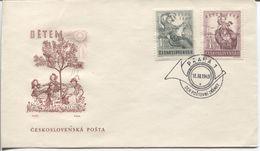 CSR # 601-2 Auf FDC. Kinderhilfe. Tag Der Briefmarke, Posthorn Als Ersttagssonderstempel Unterscheidungsbuchstabe 'a'. - FDC