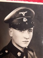 WW2 ORIGINAL PHOTO: Young German Officer With A Dead Skull Sign - 1939-45