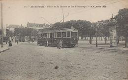 Montreuil : Place De La Mairie Et Les Tramways - Montreuil