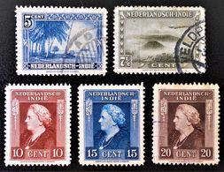 SERIE COURANTE 1945/46 - OBLITERES - YT 288/91 + 293 - Niederländisch-Indien
