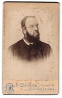 Fotografie E. Synnberg, Luzern, Portrait Geistlicher Mit Vollbart Und Brille - Anonieme Personen