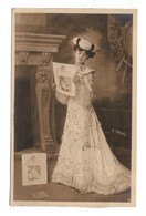 "FEMME . JOURNAL "" FEMINA "" . PHOTO H. MANUEL- Réf. N°9120 - - Women"