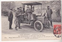 Très Rare Cpa Paris Moderne Chauffeuse D'autotax Une Contravention Au Bois Pour Excès De Vitesse 1908 - Taxi & Carrozzelle