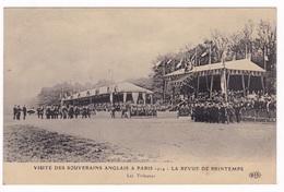 Jolie CPA, Visite Du Roi D'Angleterre Georges V à Paris, 1914. La Revue De Printemps, Les Tribunes - History