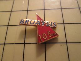 Pin1215c Pin's Pins / Beau Et Rare : MEDIAS / Pour Toi GORI !!! RADIO BRUAYSIS 105 MHZ FM - Médias