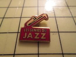 Pin1215c Pin's Pins / Beau Et Rare : MUSIQUE / SAXOPHONE LES GENIES DU JAZZ - Music