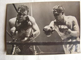 Photo Photographie Originale Annotée Au Dos Boxe Boxeur Tiberio Mitri  Jake La Motta Titre Mondial Des Moyens - Sports