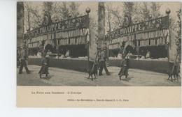 """PARIS - La Foire Aux Jambons - L'Etalage ( Stand E. PHILIPPE )  CARTE STEREO """"Le Merveilleux """" - France"""