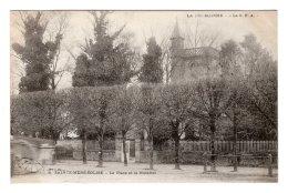 """CPA   50   SAINTE-MERE-L'EGLISE---LA PLACE ET  LE NOTARIAT---TAMPON"""" E """" - Sainte Mère Eglise"""