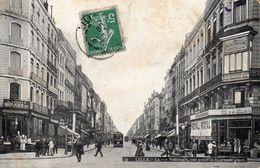 CPA LILLE - LA RUE NATIONALE - VUE PRISE DE LA GRANDE PLACE - Lille