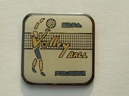 PIN'S  VOLLEYBALL - RUELISHEIM - HAUT RHIN - Volleyball