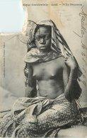 GUINEE FILLE SOUSSON FEMME SEINS NUS - Guinea