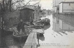 Alfortville - La Grande Crue De La Seine (Janvier 1910), L'embarcadère De Canots Berthon De La Rue Victor-Hugo - Inondations