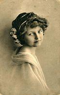 Portrait De Jeune Fille - Portraits