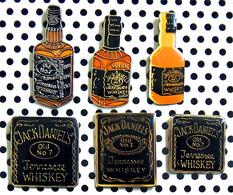 Lot De 6 Pin's Boisson Alcoolisée : Bourbon Whiskey Jack Daniel's - Getränke