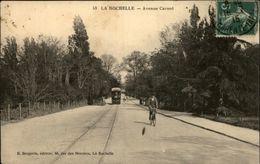 17 - LA ROCHELLE - Avenue Carnot - Tramway - La Rochelle