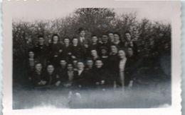 83Gt    Photo Originale 57 Basse Yutz Cours Du Soir Pour Langue Allemande En 1941 Par Maitre Peter Paul - Francia