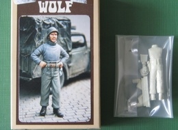 FIG WOLF   MECANICIEN - Small Figures