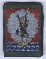 Insigne De Bras De La 11e Division Parachutiste - Scudetti In Tela